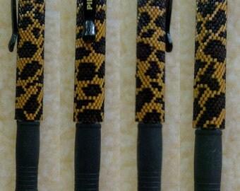 Leopard Print Pen Sleeve Bead Pattern