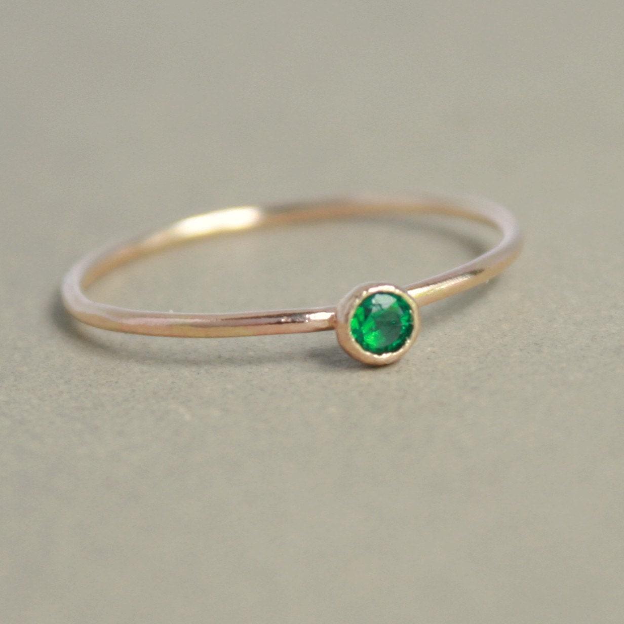 Emerald ring 14k