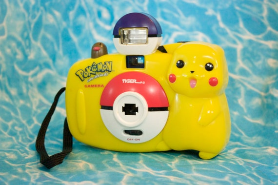 Building Toys From The 90s : Pikachu s film camera vintage pokemon plastic toy point
