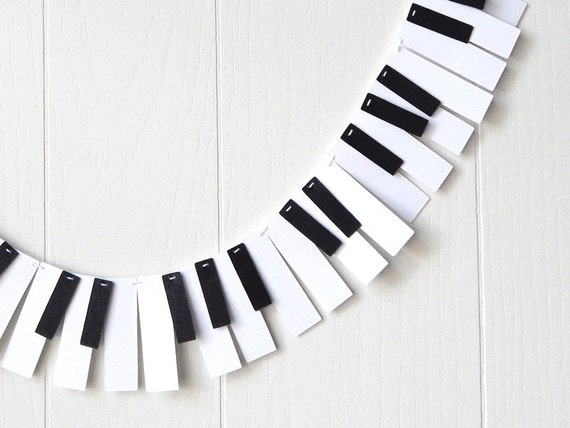 Piano garland 88 key mini music garland recital garland for Decoration keyboard