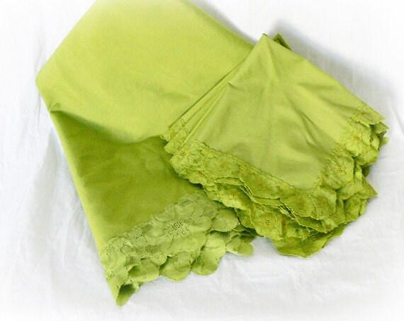 Vintage 60s Large Oval Tablecloth 7 Napkin Set Olive Green