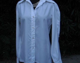 1970s  Blouse --LADY MANHATTAN size 14 Bust 38