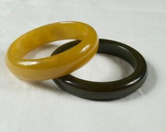 SALE WERE 95 Pair of Fabulous Stacking Bakelite Bangle Bracelets ew