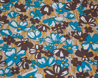 So Many Blooms  - Vintage Fabric 70s Mod Daisies New Old Stock Juvenile