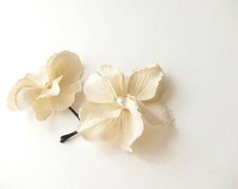 Beige / cream flower hair pins - set of 2 -  wedding hair accessories, bridesmaid hair flowers