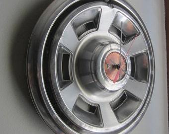 1969-70 PMD Pontiac GTO Firebird Hubcap Clock no.2272