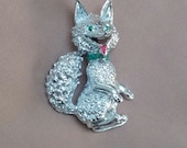 VINTAGE- figural silver tone happy sly fox wolf Gerrys brooch pin