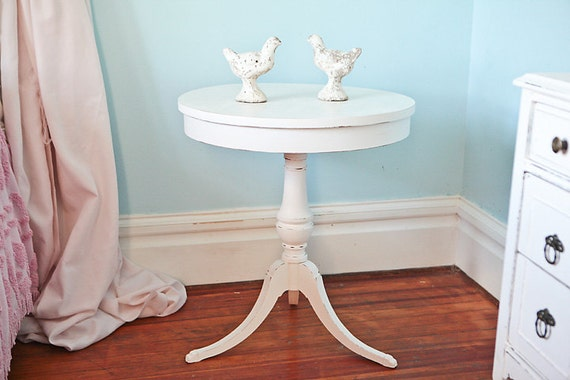 Round Table Shabby Chic White Distressed Vintage Antique