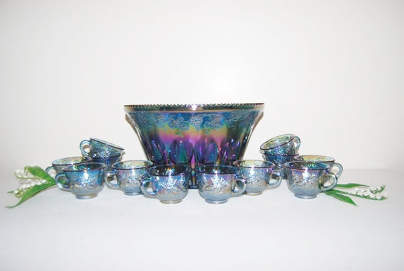 vintage punch bowl carnival glass set 26 pieces. Black Bedroom Furniture Sets. Home Design Ideas