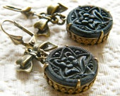 Vintage Button Earring Black Flower Buttons Dangle Earring