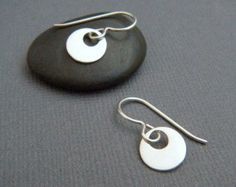 """silver circle earrings. tiny retro silver dangle earrings. small smooth round drop earrings. sterling everyday. simple jewelry. 3/8"""" circle"""