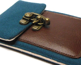 iPhone 5 / 6 / 6 Plus wallet - blue vintage wool