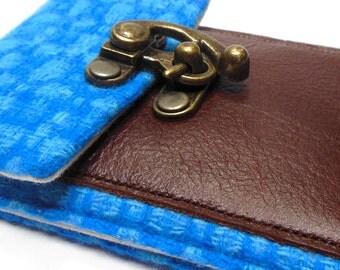 iPhone 5 / 6 / 6 Plus wallet - blue vintage wool