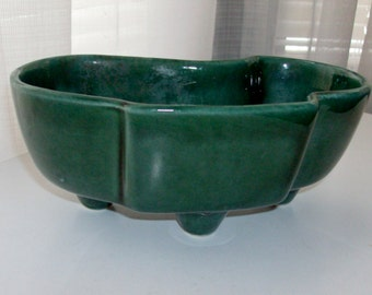 Small Green Kidney Shaped Planter