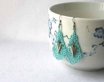 EARRINGS - Chandelier Drop - Turquoise - Silver Arrowhead Charm  - Native American Indian - Southwest - Free Standing Lace Embroidery