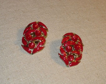 Vintage Earrings Red Beads and Faux Pearls - Clip Ons