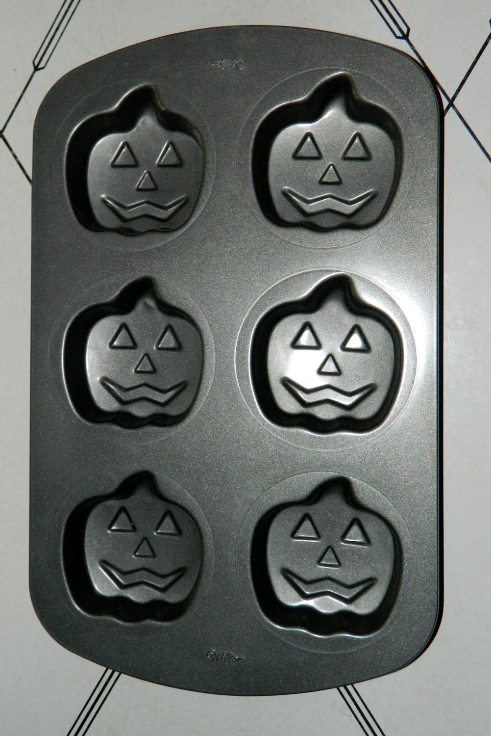 Halloween Baking Pan Wilton 6 Jack O Lantern Mini Cake Kitchen