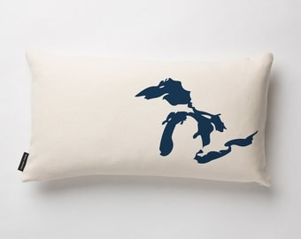 Great Lakes Pillow Cover in Off-white