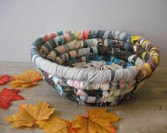 vintage Rag rolled bowl or Basket ... Primitive Country ... Farm House chic