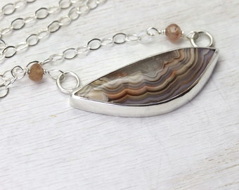 Stunning Silver Necklace with custom Crazy Lace Agate Gemstone in Peach and Cream