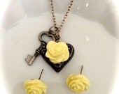 Vanilla Rosebud Necklace and Earring Set