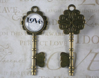 10 Message Skeleton Keys Bronze LOVE & Hearts Pendants 72mm - Wedding Seating Cards (P1471 -10)