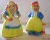 Little holland salt and pepper shakers / Couple in traditional garb