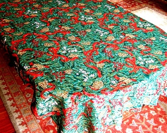 CHRISTMAS Holiday Vintage Retro Print TABLECLOTH Pine Cones Ribbons Gold LG 100""