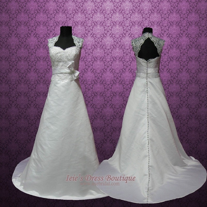 Vintage Style Cap Sleeves Keyhole A Line Lace Wedding Dress