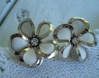 Vintage 1950's White Flower Rhinestone Screw Back Clip Silver Earrings Dogwood Daisy
