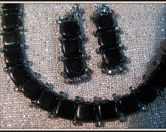 165 Noir Elegance Tila necklace and earrings with hamsa clasp 16-18 inches