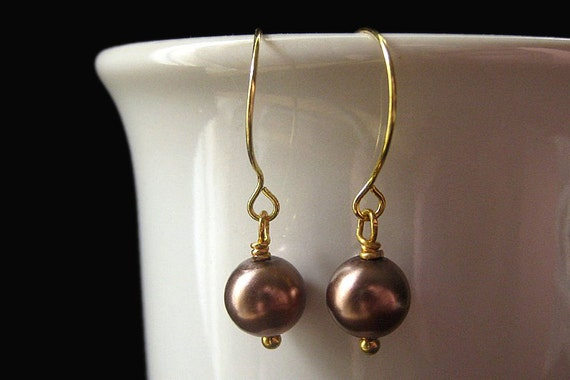 Custom Pearl Earrings in Color of Your Choice. Wedding Jewelry. Bridesmaid Jewelry. Handmade Jewelry.