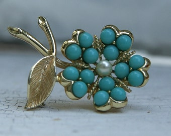 Vintage Sarah Coventry Pin.  Turquoise Flower