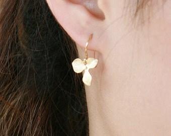 Small orchid earrings - in gold, flower girls earrings jewelry, flower simple, birthday gift, gold earrings
