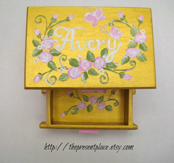 personalized jewelry box, love note, hand painted,gold,white,pink roses.first jewelry box,children's jewelry box,girls jewelry box,gold box