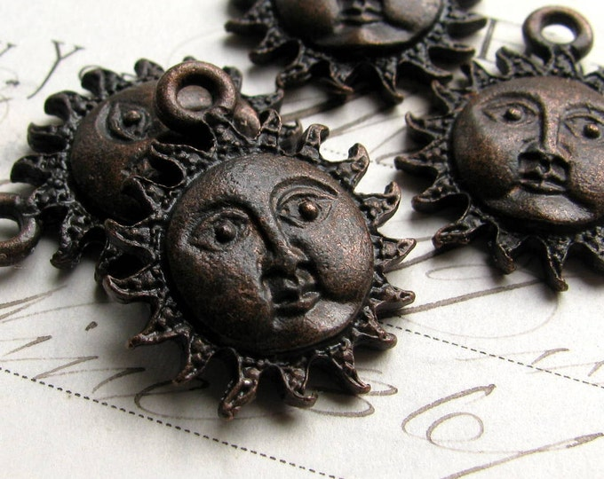 Sun face charm from Bad Girl Castings, 25mm, antiqued dark pewter (4 charms) spiritual healing, beach, oxidized black CH-SC-037