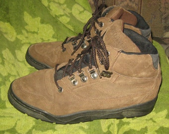"""80s Vintage mens  """"NORTHWEST TERRITORY"""" Brown  Rugged  hiking Boots Sz:   9  1/2 d mens"""