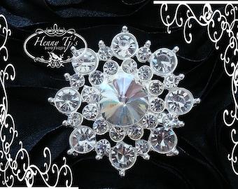 4 pcs - 37mm Silver Metal SNOWFLAKES Crystal Rhinestone Buttons / Brooch Pin - wedding Invitation / Bouquet / hair / dress / Flower Center