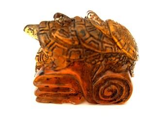 Vintage Japanese amber netsuke - 5 Turtles on blanket,signed