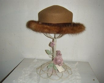 Beautiful Wool Hat with Mink Trim