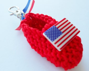 Patriotic americana red white blue hand knit baby shoe key ring with USA flag button - 2 inches - great new mom gift or baby favors