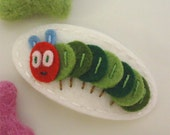 Felt hair clip -No slip -Wool felt -Ciel the caterpillar -ecru