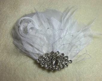 White or Ivory Vintage Style Bridal Fascinator, Wedding Hair Clip, Wedding Fascinator, Bridal Hair CLip, Feather Fascinator, Feather Hair