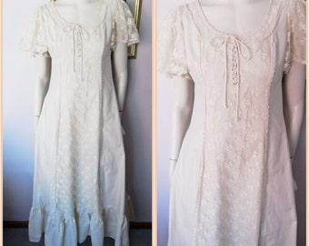 Vtg.70s Cream Cotton Lace Flutter Sleeve Corset Maxi Dress.M.Bust 38.Waist 32.
