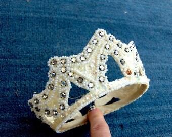 Vintage 1940's Tiara-Crown style Bridal Headpiece ivory