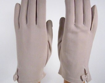 6-1/2-7-Vintage Womens Tan Dress/Church/prom Gloves - 8 inches long(89g)