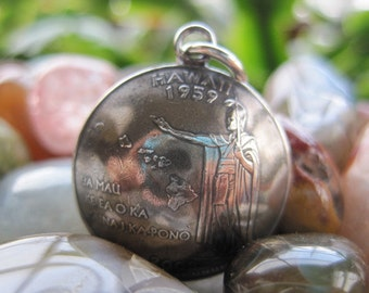 Domed Antiqued Hawaii State Quarter Pendant with Sterling Silver Bail