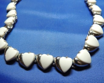 White Heart Vintage Necklace Thermoset Link Vintage Jewelry