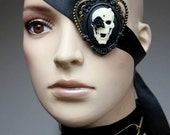 Skull cameo eye patch - pinkabsinthe
