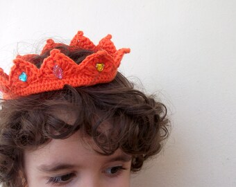 Princess (or prince) crocheted crown,great p hotoprop, shower gift, hair accessory, Newborn Prince Crown